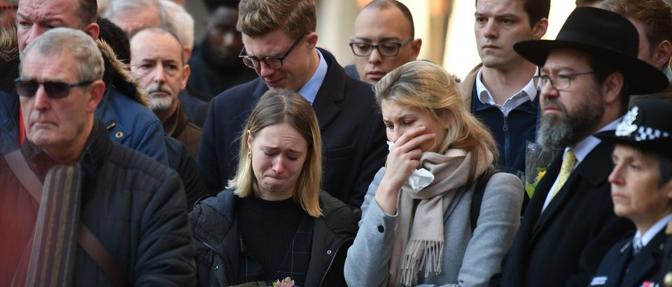 Members of the public attend a vigil at the Guildhall in central London to pay tribute to the victims of the London Bridge terror attack on December 2, 2019. (DANIEL LEAL-OLIVAS/AFP via Getty Images)