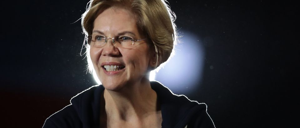 Democratic Presidential Candidate Sen. Elizabeth Warren Campaigns In Iowa