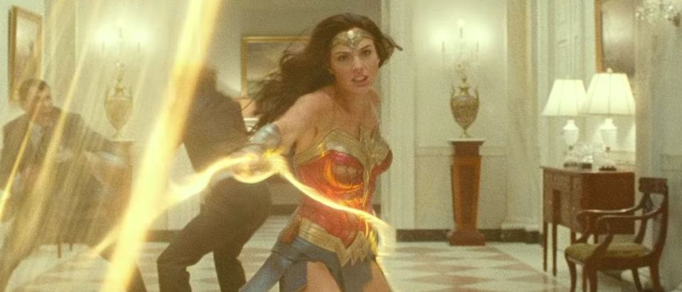 Wonder Woman 1984 (Credit: Screenshot/YouTube https://www.youtube.com/watch?v=sfM7_JLk-84)