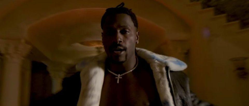 Antonio Brown Music Video (Credit: Screenshot/YouTube https://www.youtube.com/watch?v=CrC3_ztSX1k&feature=emb_logo)
