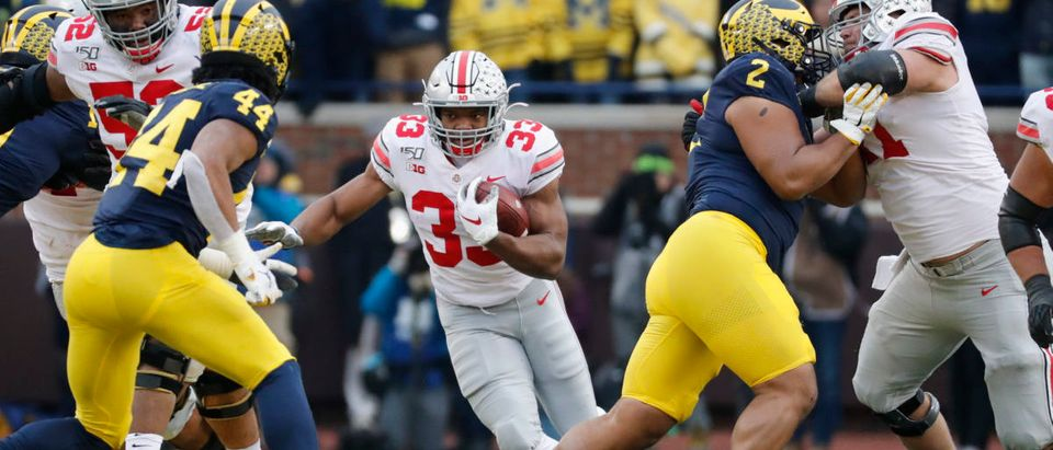 Ohio State Buckeyes running back Master Teague III (33) rushes in the second half against the Michigan Wolverines at Michigan Stadium on Nov. 30, 2019. Photo: Reuters/Rick Osentoski/USA TODAY Sports