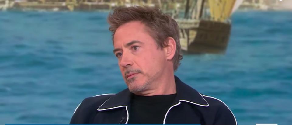 Robert_Downey_Jr_Iron_Man