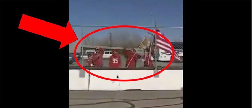 49ers Airport Video (Credit: Screenshot/ Twitter Video https://twitter.com/ChargersHype/status/1224848495628017664)