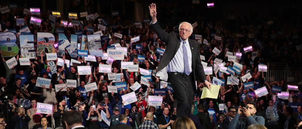 Presidential Candidates Attend New Hampshire Democratic Party Dinner