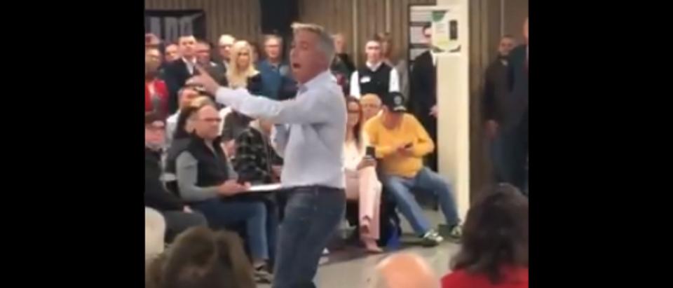 Joe Walsh speaks to Iowa caucus goers (Twitter screengrab)