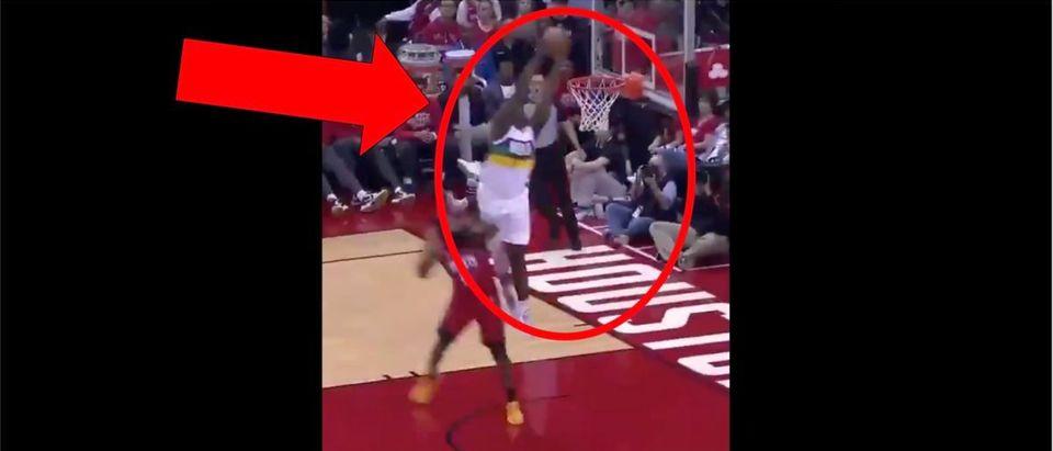 Zion Williamson, Lonzo Ball Dunk (Credit: Screenshot/Twitter Video https://twitter.com/sportscenter/status/1224050893651357696?s=21)