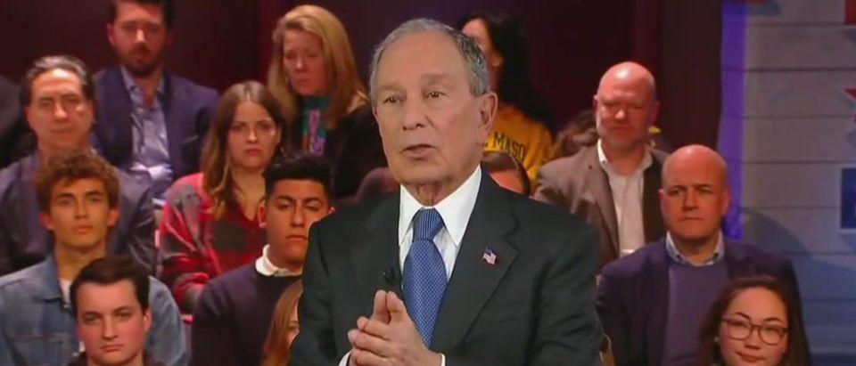 Audience member challenges Mike Bloomberg on gun control (Fox News screengrab)