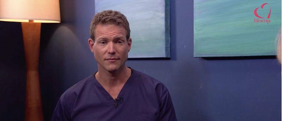 Dr. Travis Stork (Photo: YouTube Screenshot)
