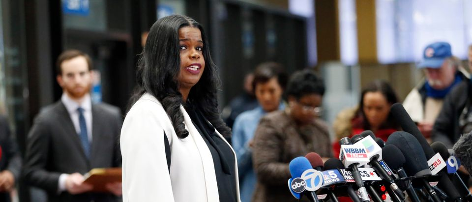 Cook County State's attorney Kim Foxx speaks with reporters and details the charges against R. Kelly's first court appearance at the Leighton Criminal Courthouse on February 23, 2019 in Chicago, Illinois. (Nuccio DiNuzzo/Getty Images)
