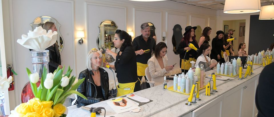 JNSQ Launches as Official Wine Partner of Drybar Salons Nationwide - LA Launch Party