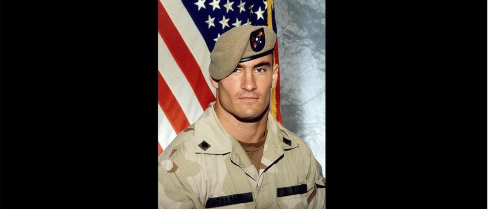 Pat Tillman (Credit: US Army, Public Domain Wiki Commons https://commons.wikimedia.org/wiki/Category:Pat_Tillman#/media/File:Corporal_Patrick_Tillman.jpg)