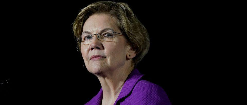 Democratic 2020 U.S. presidential candidate Senator Elizabeth Warren speaks to supporters in Monterey Park, California, U.S., March 2, 2020. REUTERS/Kyle Grillot