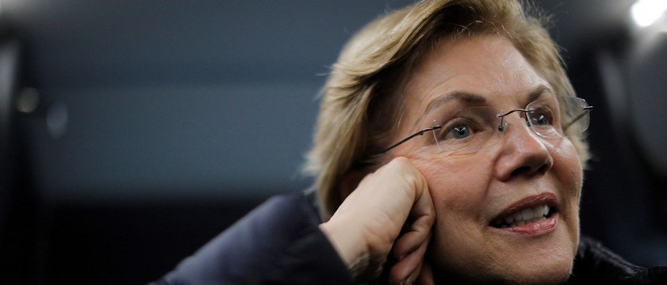 FILE PHOTO: Democratic 2020 U.S. presidential candidate Warren campaigns in Rochester