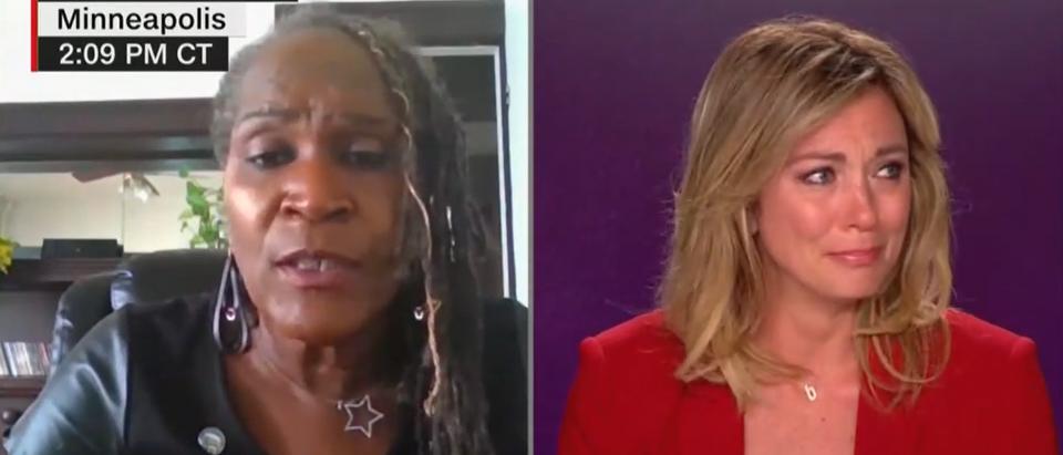 Brooke Baldwin breaks down on air (CNN screengrab)
