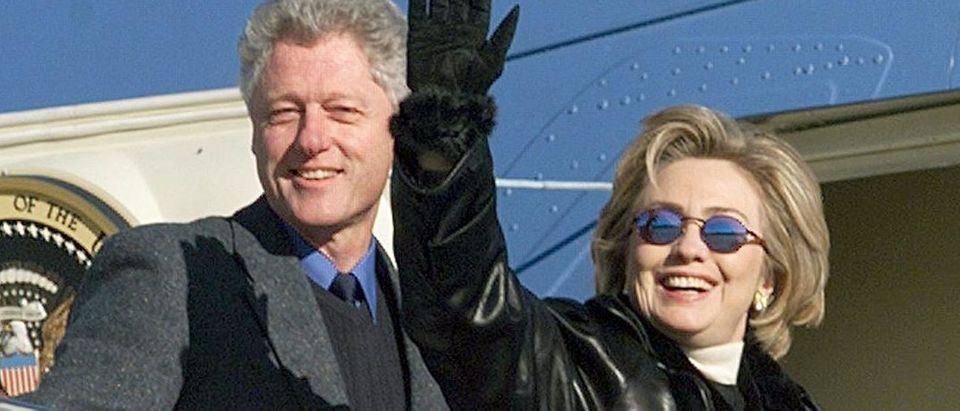 US President Bill Clinton (L) and First Lady Hilla