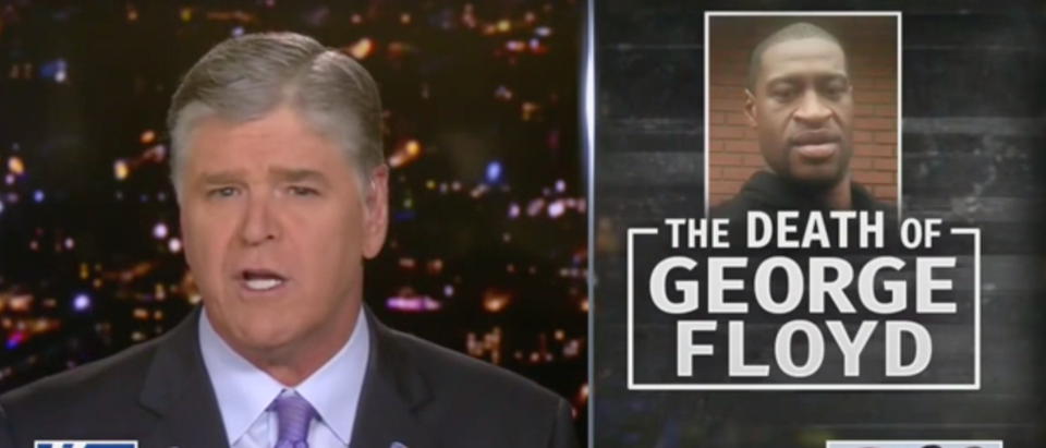 Sean Hannity condemned the cops involved in George Floyd's death. (Screenshot Fox News, Hannity)