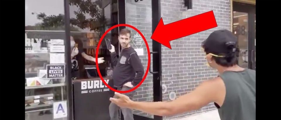 Coffee Shop Video (Credit: Screenshot/Twitter Video https://twitter.com/AIRSTEVEJOBS/status/1273643920682074113)