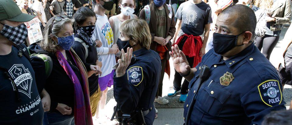 TOPSHOT-US-POLICE-RACISM-DEMONSTRATION-POLITICS-CHAZ