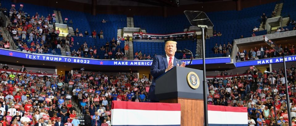 TOPSHOT-US-POLITICS-TRUMP-VOTE-2020
