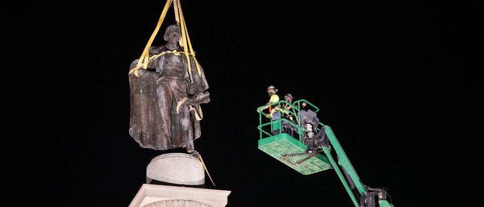 Charleston Removes John C. Calhoun Statue From City's Marion Square