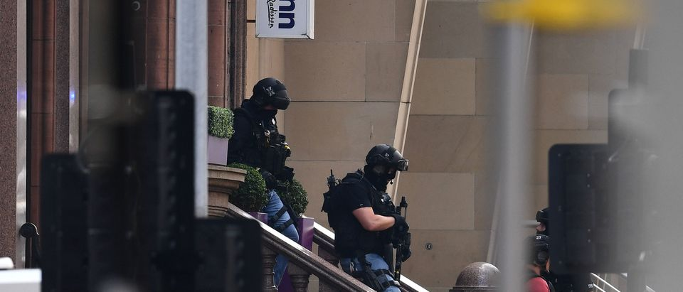 Police Officers Shoot Knifeman Dead In Central Glasgow Hotel