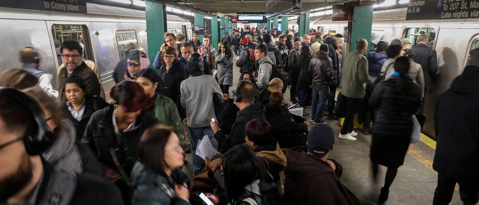 Incident On NYC's Subway Snarls Morning Commute Into Manhattan
