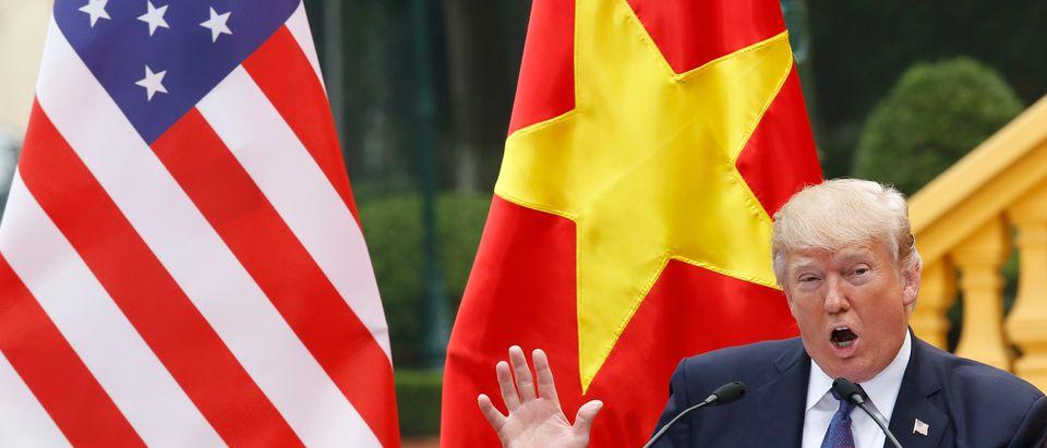 TOPSHOT-VIETNAM-US-DIPLOMACY