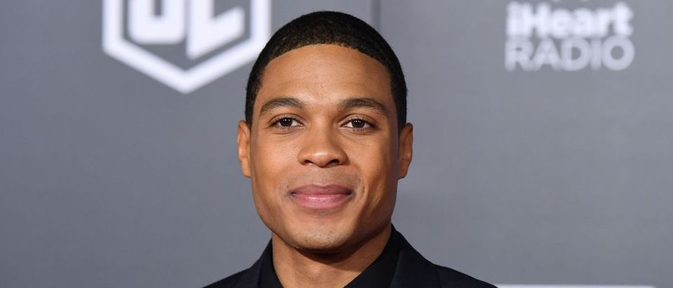 US actor Ray Fisher poses as he arrives for the world premiere of Warner Bros. Pictures film 'Justice League' at The Dolby Theatre in Hollywood, California on November 13, 2017. (Photo credit : ROBYN BECK/AFP via Getty Images)