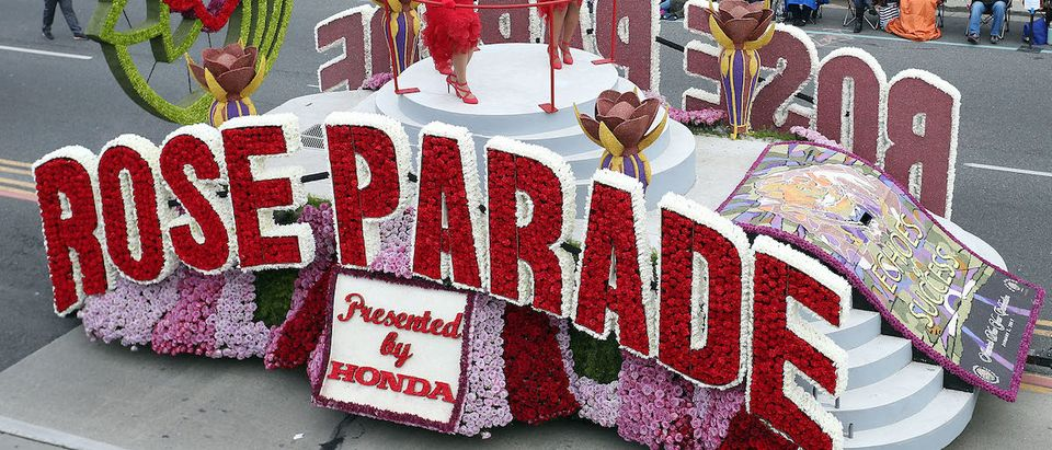 Rose Parade float on the parade route during the 128th Tournamnet of Roses Parade Presented by Honda on January 2, 2017 in Pasadena, California. (Photo by Frederick M. Brown/Getty Images)