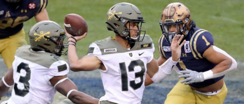 PHILADELPHIA, PENNSYLVANIA - DEC. 14: Christian Anderson #13 of the Army Black Knights passes the ball in first quarter against the Navy Midshipmen at Lincoln Financial Field on Dec. 14, 2019 in Philadelphia, Pennsylvania. (Photo by Elsa/Getty Images)