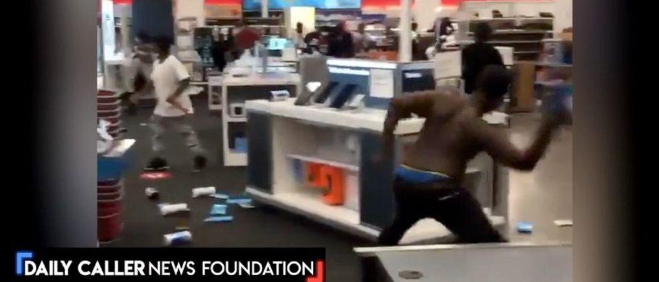 Looting begins in Minneapolis