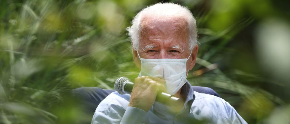 LANCASTER, PENNSYLVANIA - SEPTEMBER 07: Wearing a face mask to reduce the risk from the coronavirus, Democratic presidential nominee Joe Biden meets with veterans and union leaders in the backyard of a supporter on Labor Day September 07, 2020 in Lancaster, Pennsylvania. Biden is scheduled to travel later to Harrisburg, Pennsylvania, for a 'virtual event' with AFL-CIO President Richard Trumka and union members. (Photo by Chip Somodevilla/Getty Images)
