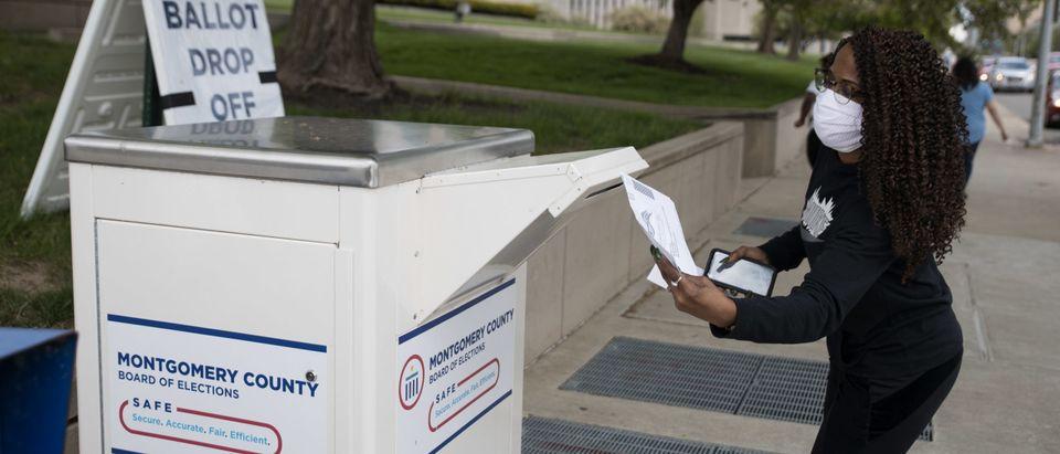 US-HEALTH-VIRUS-POLITICS-VOTE-ELECTION