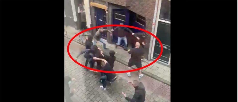 Street Brawl (Credit: Screenshot/Twitter Video https://twitter.com/TazerBlack/status/1302959014419062784)