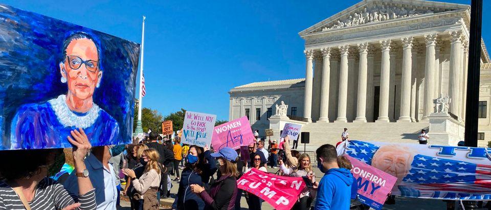 US-politics-court-demonstration