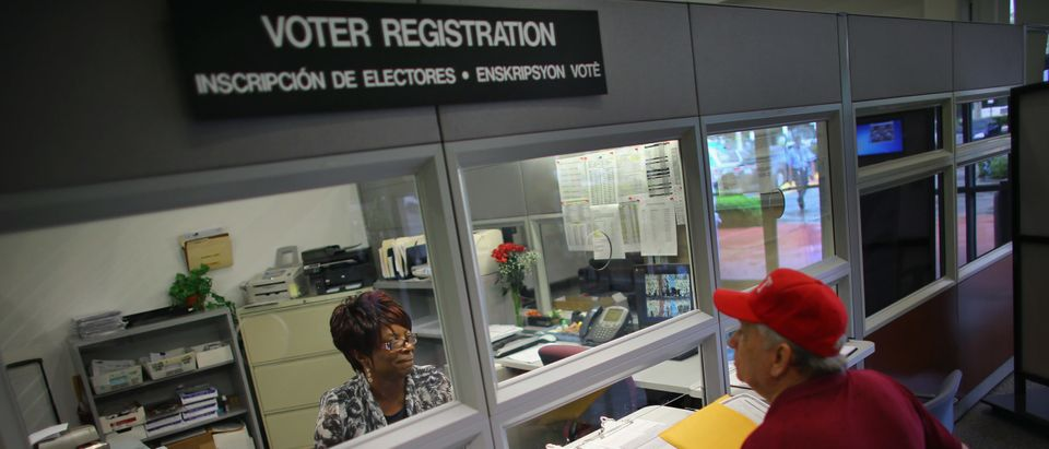 Floridians Register To Vote For Presidential Election As Deadline Nears