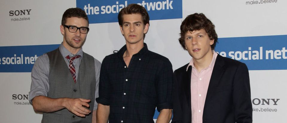 BERLIN - OCTOBER 05: (L-R) The actors Justin Timberlake, Andrew Garfield and Jesse Eisenberg attend a photocall to promote the film 'The Social Network' at Hotel Adlon on October 5, 2010 in Berlin, Germany. (Photo by Andreas Rentz/Getty Images)