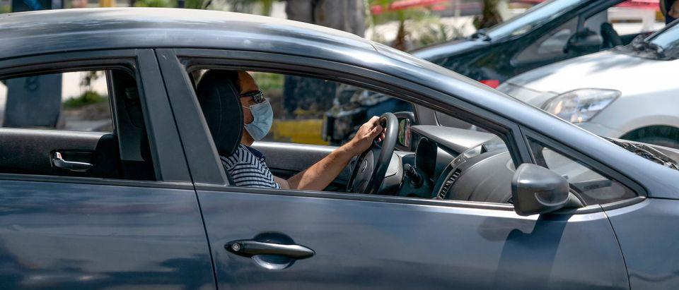 Uber Driver Wears Mask