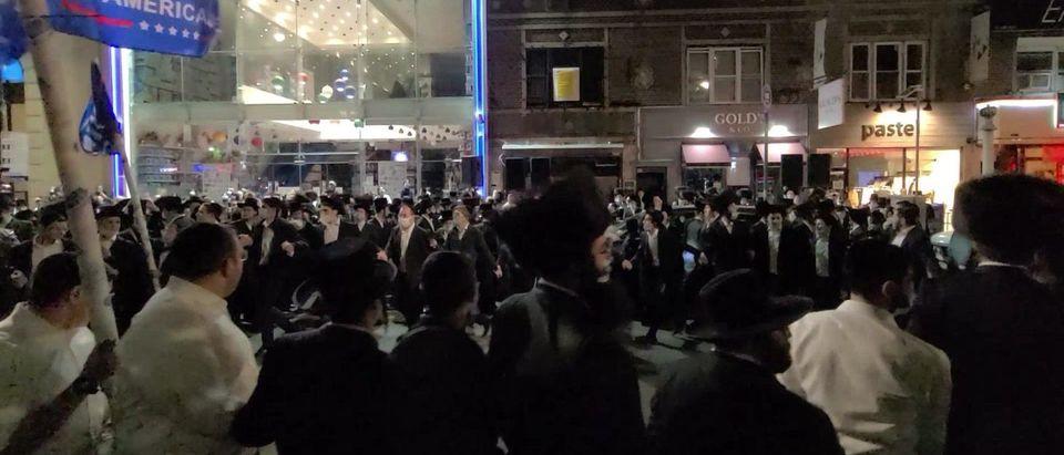 Jewish Community Dancing In Protest of Gov.Cuomo Lockdown Restrictions