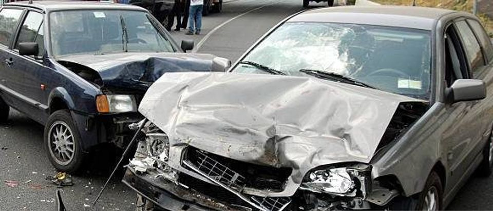 Car crash with two vehicles