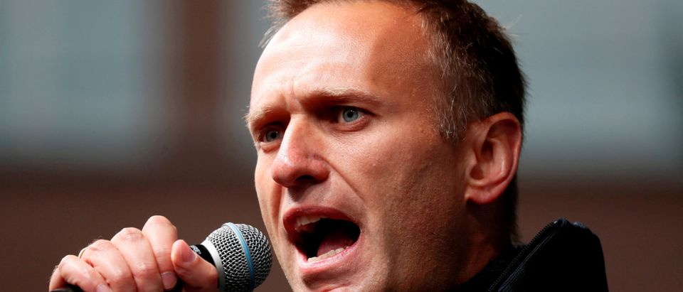 Russian opposition leader Navalny attends a rally in Moscow (REUTERS/FILE PHOTO)