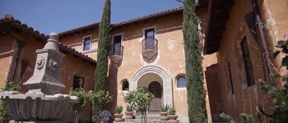 Bachelor_Mansion