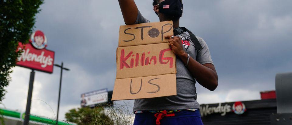 TOPSHOT-US-POLICE-RACISM-SHOOTING-POLITICS