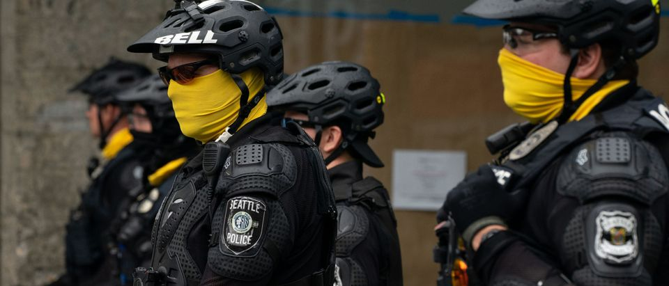 Seattle Police Dismantle Occupied Protest Zone, Arrest Protestors
