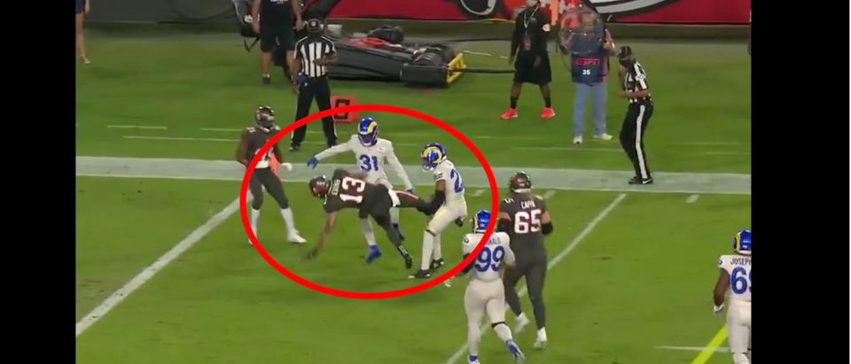 Mike Evans (Credit: Screenshot/Twitter Video https://twitter.com/NFL/status/1331052167428333569)