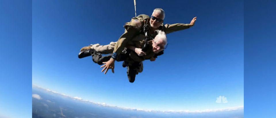 WWII Veteran Parachutes For Veterans