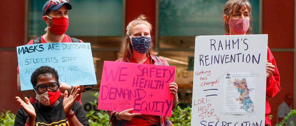 US-HEALTH-VIRUS-TEACHERS-PROTEST