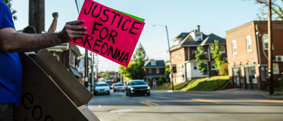 Kentucky Attorney General Given Until Friday To Release Breonna Taylor Grand Jury Tapes