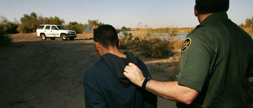 Arizona Struggles To Patrol Vast Border With Mexico