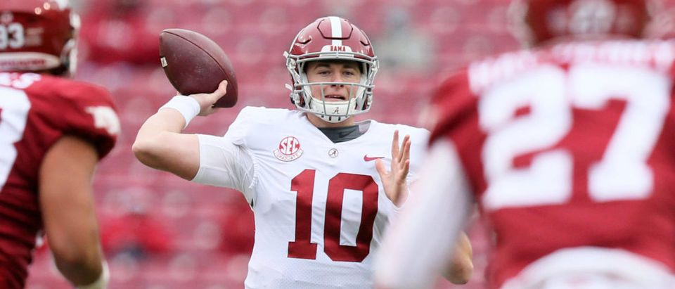 Dec 12, 2020; Fayetteville, Arkansas, USA; Alabama Crimson Tide quarterback Mac Jones (10) throws a pass against the Arkansas Razorbacks in the second quarter at Donald W. Reynolds Razorback Stadium. Mandatory Credit: Nelson Chenault-USA TODAY Sports via Reuters